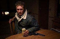 Kovboj Clay Stremler cestuje za prací od ranče k ranči.
