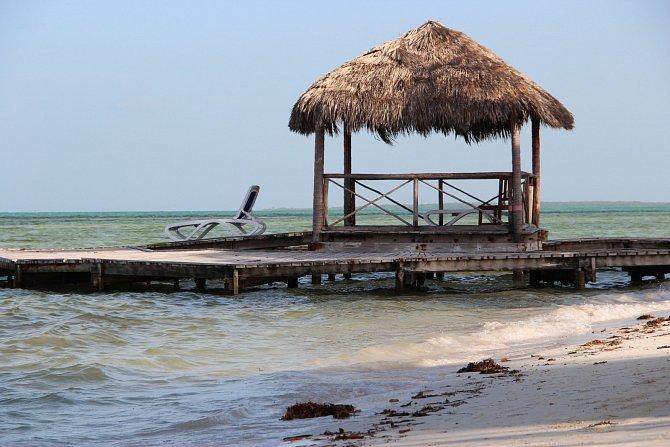Nejvíce turisté vnímají místní laxní přístup. Často například rezervují po internetu auto, Kubánci rezervaci sice potvrdí, ale nedokončí ji a neuzavřou. Je potřeba si uvědomit, že všechny tyhle základní služby vlastní stát.