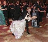 Tereza Kostková s Marošem Kramárem předváděli pozoruhodné taneční figury