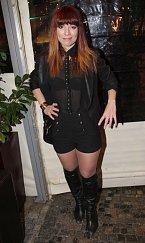 Míša Nosková se tvářila stejně rozpačitě jako outfit, který si na sebe vzala...