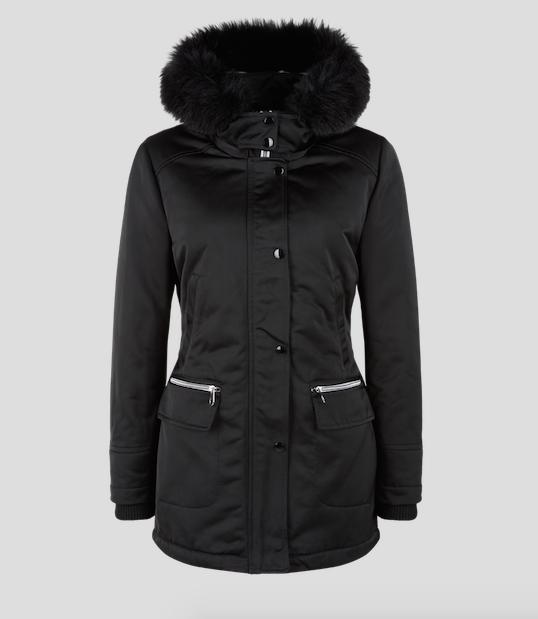Kabátek s kožešinkou s.Oliver, cena 6.299 Kč.