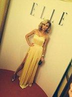 Šaty na párty do Karlových Varů jí její oblíbená návrhářka Kateřina Geislerová spíchla za čtyři dny