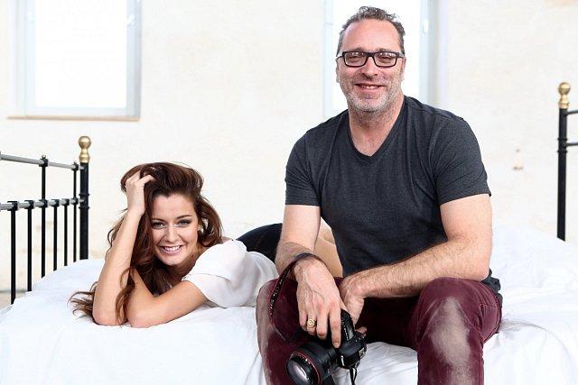 Chlebovská s fotografem Matthewem Dolsem.