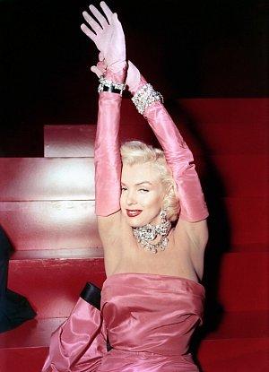 Marylin Monroe ve snímku Muži maji raději blondýnky z roku 1953.