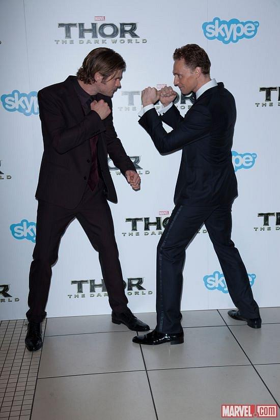 Chris Hemsworth (Thor) a Tom Hiddleston (Loki)