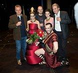 Slavností reprízy se zúčastnil i tvůrce českého překladu Adam Novák a samozřejmě ředitel divadla Egon Kulhánek
