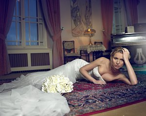 Zatímco o líčení a účes se postarala Táňa Havlíčková, styling si vzala na starost Karolína Drössler.