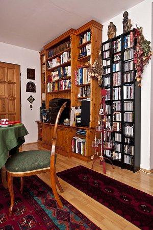 Knihovna má u známé herečky své výsadní místo.