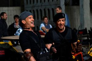 Antonio Banderas a Sylvester Stallone se dobře bavili i mezi záběry...