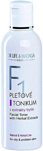 Pleťové tonikum F1 s extrakty z bylin arniky a dubové kůry, přesně to pravé pro vás. Mastnou a aknózní pleť dovede zbavit přebytečného mazu, nečistot a účinně předchází tvorbě černých teček. (For Life & Madaga, 200 ml 184 Kč).