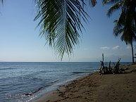 Nádherné pobřeží poblíž Maumere na Floresu turisté ještě neobjevili