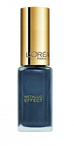 Žhavým trendem jsou nové šedé odstíny Dark Sides of Grey z řady Color Riche L'Oréal Paris, cena 99,90 Kč.
