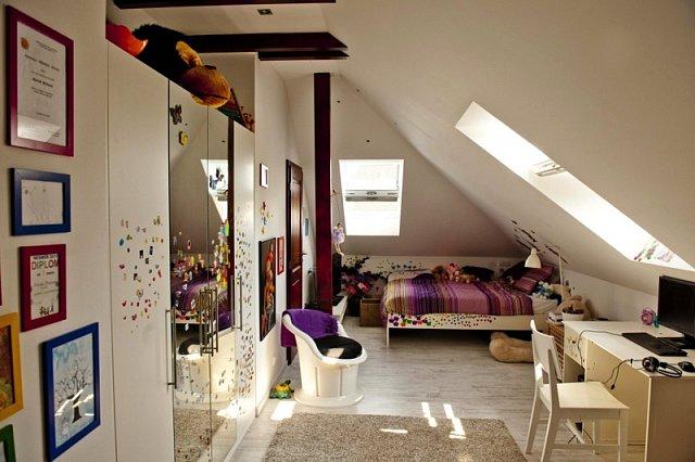 V dětském pokoji si může dvanáctiletá Marina dělat, co chce, klidně i malovat po stěnách. Své výtvarné vlohy si může užívat i na příjezdové cestě, naopak má zakázáno kreslit v jiných místnostech domu.
