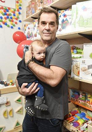 Miroslav Etzler se synem.