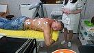 Elektrické impulsy uvolňují zkřečované svaly, které způsobují bolest