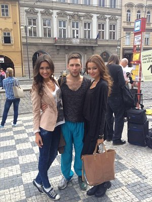 První zkušeností Chlebovské bylo natáčení klipu Tomáše Pastrňáka Slunečnice.