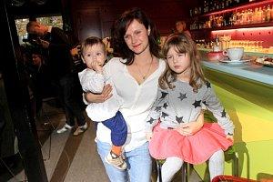 Hrdá maminka Kristýna Fitová ukázala své dvě dcerky.