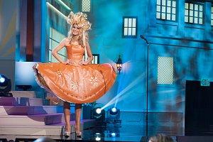 Gabriela Franková a její model Rodná hrouda na Miss Universe