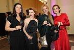 Bočanová, Schneiderová, stylistka Zuzana Straková a Maurerová se skvěle bavily.