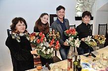 České celebrity ukázněně zdobí adventní věnce