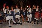 Řecký tanec si všechny náramně užily.