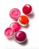 Emulze a hydratující balzám Clinique Sweet Pots – Sugar Scrub & Lip Balm, cena 640 Kč.