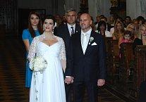 Své ano si snoubenci řekli v kostele sv. Tomáše na Malé Straně před zraky svých nejbližších a přátel.