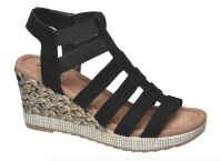 Černé sandálky na klínku, Deichmann, cena 649 Kč.