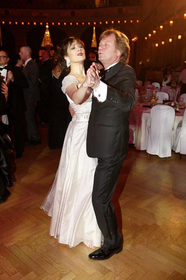 Kostková s Kramárem si společný tanec užívali plnými doušky.