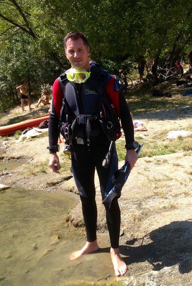 Petr je sportovní typ, věnuje se třeba i potápění