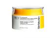 Vypínací krém TL Advanced TM na obličej a krk pomáhá ihned získat nově vykreslené kontury obličeje, Strivectin, 2390 Kč.