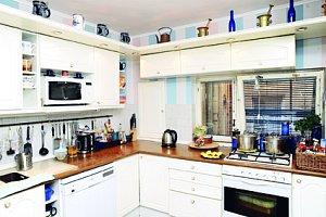 Kuchyně je středobodem celého bytu.