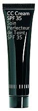 Vyrovnávací CC Cream SPF 35 odstraňuje nedostatky v tónu pleti, Bobbi Brown, Douglas, 40 ml, 980 Kč.