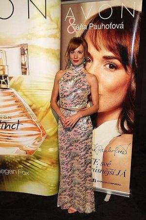 Zatímco v Americe je tváří parfému Megan Fox, u nás je to Táňa Pauhofová.