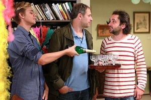 Vincent Navrátil (vlevo) si s Igorem Chmelou a Filipem Čapkou užije hodně legrace.