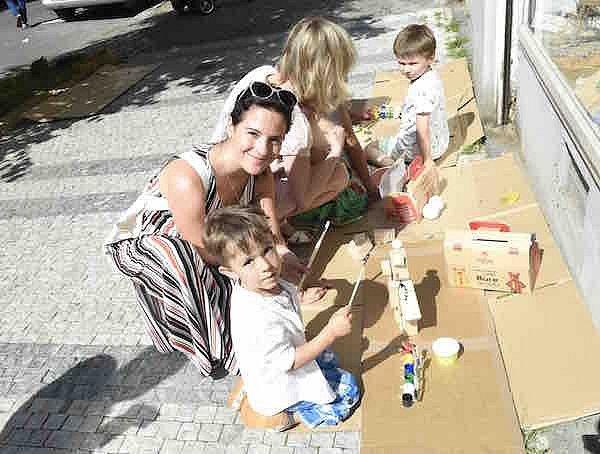 Kristýna Janáčková s dětmi.