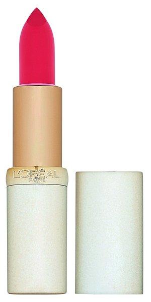 Na světě je devět nových odstínů rtěnek Color Riche. Vybírat můžete mezi odstíny s matným, krémovým nebo lesklým efektem. L'Oréal Paris, 270 Kč.