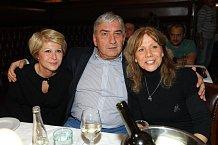 Manželé Donutilovi a Lenka Filipová se dobře bavili