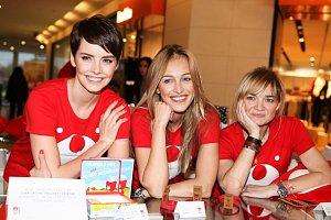 Gábina Kratochvílová, Renata Langmannová a Klára Nademlýnská se ujaly role prodavaček.