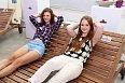 Děvčata na představení australské značky simulovala pohodu na australské riviéře