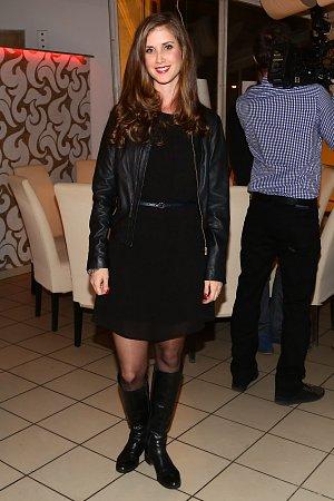Jana Bernášková se v seriálu Všechny moje lásky představí v roli lékárnice Anežky.