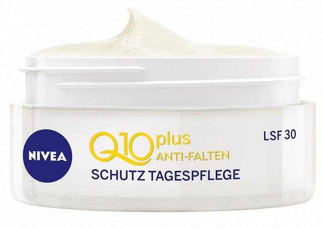 Ochranný krém proti vráskám Q10 plus s extra vysokým ochranným faktorem 30, který působí jako velmi účinná prevence vzniku vrásek a pigmentových skvrn způsobených slunečním zářením. Cena 299 Kč.
