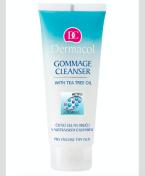 Speciální čisticí gel s mikroperličkami, které mají schopnost na sebe nabalovat odumřelé kožní buňky, Dermacol, cena 105 Kč.