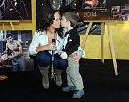 Jitka Čvančarová obdržela sladkou pusu od nemocného chlapečka, on od ní dostal šek