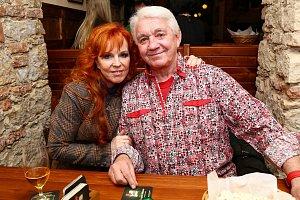 Známá zpěvačka se s Jiřím Krampolem zná už léta.