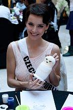 Gábina v Moskvě získala titul Miss Bond.