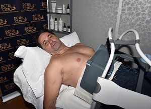 Martin Dejdar vzal údržbu svého těla zgruntu.