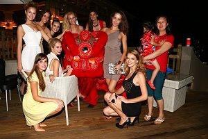 Finalistky České Miss na ostrově oslavily také příchod nového čínského roku.