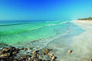Azurové pláže jsou v Ománu samozřejmostí.