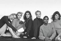 Eva Herzigová (vlevo) s dalšími známými kráskami, které zazářily v 90. letech.